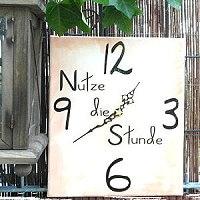 Keilrahmen Uhr gestalten